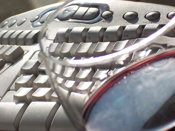 wine-on-the-keyboard-photo