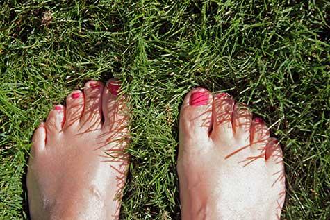 painted toe nails