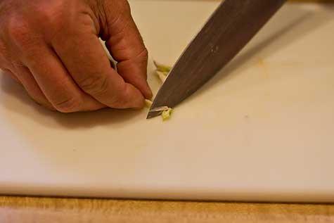 chop garlic
