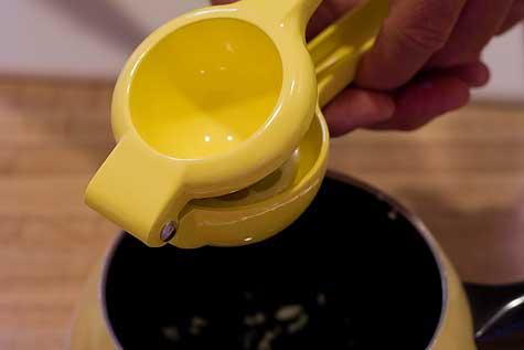 juice from 1/2 lemon