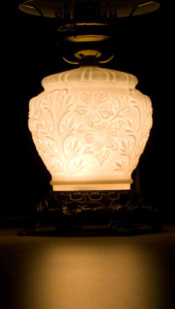 milk-glass-lamp-base