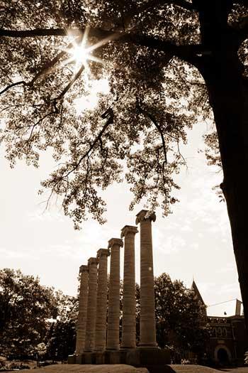 mizzou-columns-sun-flare-bw