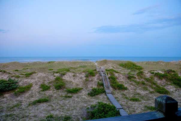 walkway-to-beach