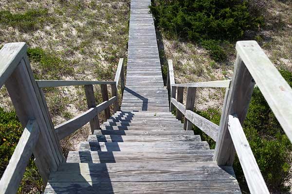 beach-walkway-stairs