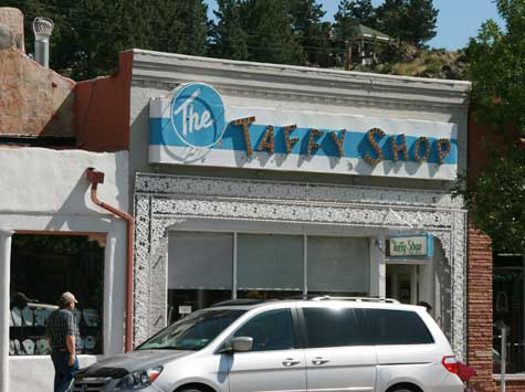the-taffy-shop-estes