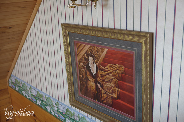 Scarlett Ohara painting on the stairway
