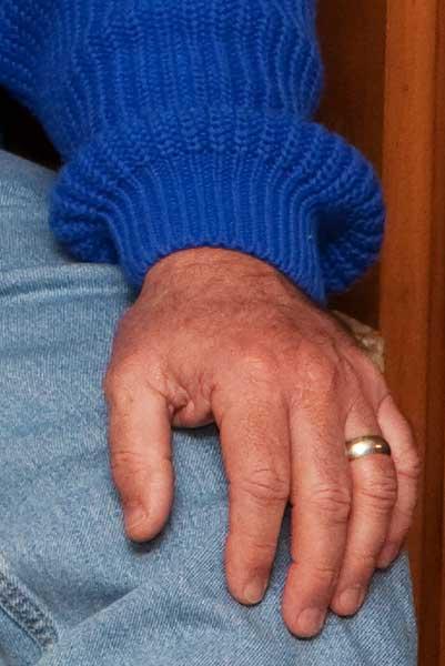 hands-3568