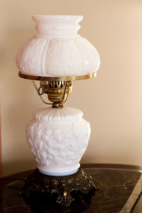 milk glass lampshade replacement