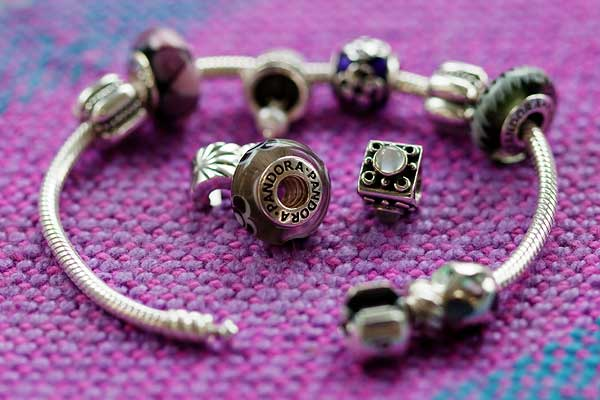 Fashion blasts from the past femalefashionadvice for How much does pandora jewelry pay