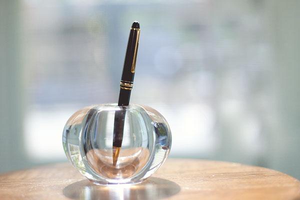 montblonc pen holder