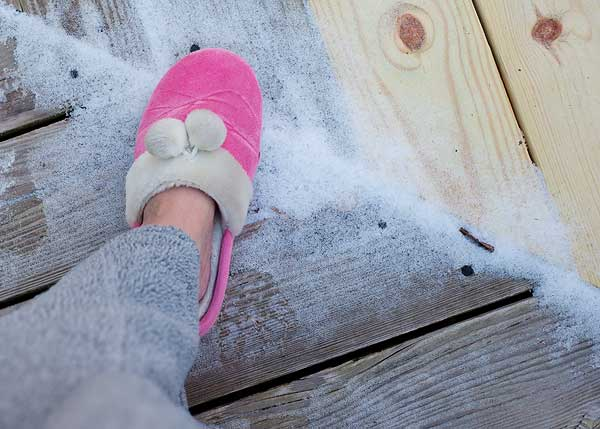 slippers-in-the-snow